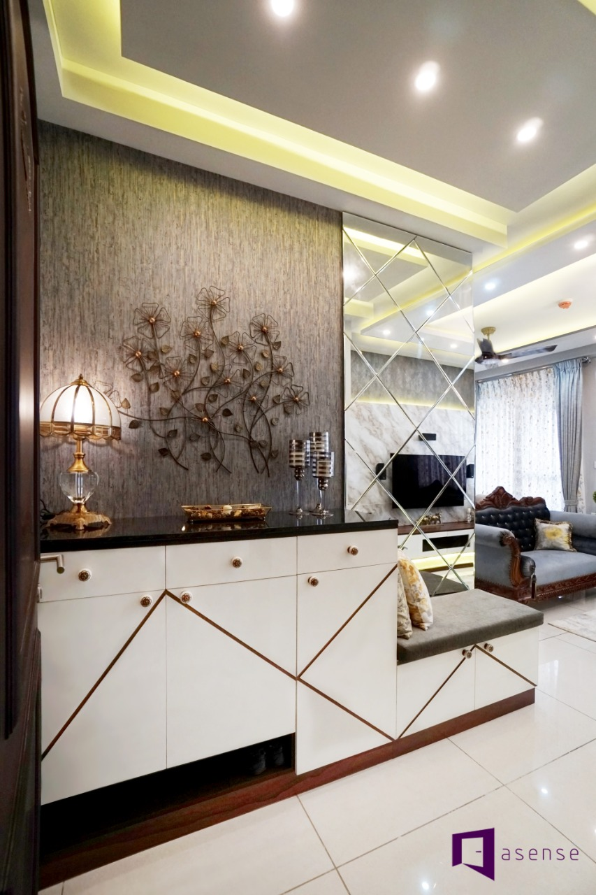 Enhance Space and Light by Using Aesthetic Mirrored Wardrobes in Your Home